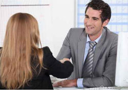 Hays recrute 100 consultants RH juniors d'ici fin 2014