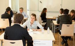 Séance de job dating pour jeunes diplômés de l'assurance (photo : IFPASS)