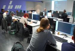 Les formations courtes de développeur web se déploient en France