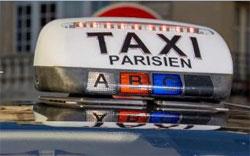 A Paris, les Taxis Bleus recrutent les chauffeurs de VTC déçus
