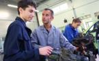 Automobile : les centres auto recrutent des jeunes et des alternants