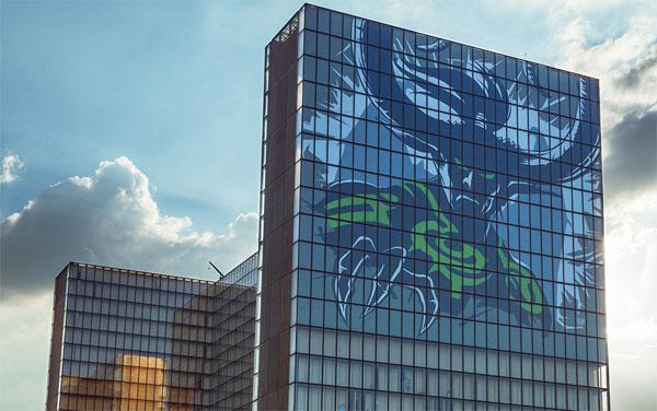 La tour des Temps met à l'honneur le jeu vidéo World of Warcraft à travers la figure d'un de ses personnages. Crédit : BnF