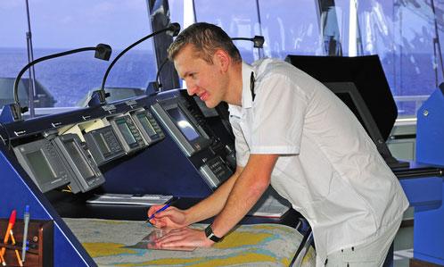 Officier de la marine marchande, l'appel du grand large
