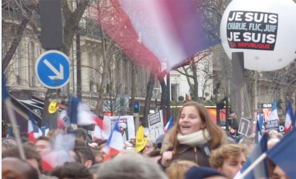 Des jeunes dans la manifestation du 11 janvier 2015. Photo : reussirmavie.net