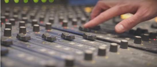 Sony Music recrute trois jeunes dénicheurs de talents