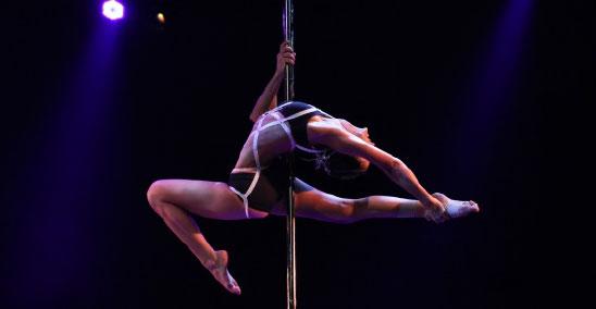 Aux championnats de France de Pole Dance 2012. Photo : DFPS.