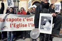 Pape et sida : l'archevêque de Lyon rencontre des manifestants homosexuels
