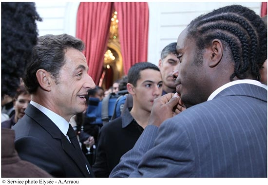 Réforme du lycée : Sarkozy et Darcos dialoguent dans un établissement