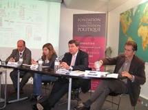 Xavier Darcos, ministre français de l'Education, commente les résultats du sondage