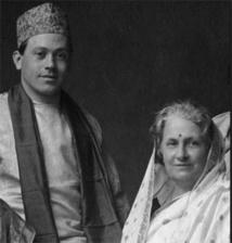 Maria et son fils Mario en Inde, durant la guerre de 39-45.