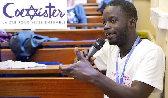 Seydi Diamil Niane à un débat de l'association Coexister dont il est membre. © Corinne Simon