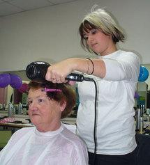 Lucie, 19 ans, en CAP coiffure