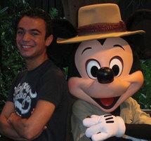 Un premier stage chez Eurodisney à Marne-la-Vallée, un deuxième à Disney Word en Floride.