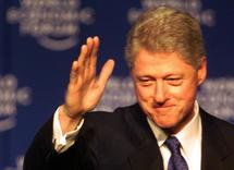 Bill Clinton à Davos (Suisse) lance un appel aux entrepreneurs pour qu'ils investissent en Haïti.