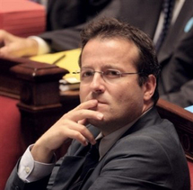 Martin Hirsch quitte son haut-commissariat mais pas la jeunesse : il va présider l'Agence pour le service civique.
