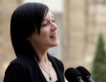 Clotilde Reiss, reçue à l'Elysée, remercie pour sa libération mais rend hommage aux opposants iraniens