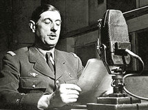 Le général de Gaulle, au micro de  Radio Londres, le 18 juin 1940.