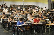 Examens en amphi à Lyon1 / photo : E. Le Roux / communication Lyon 1