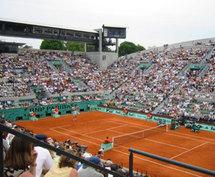 Tennis : le tournoi de Roland-Garros reste à Paris