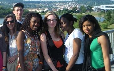 Gady (à dr.) avec ses camarades de l'E2C de Meaux.