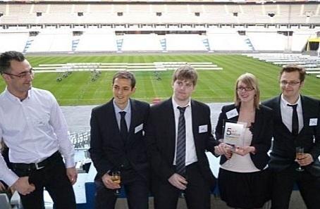 Les étudiants de l'ISEN Lille, lauréats du trophée Handi-innovation. Image : APF