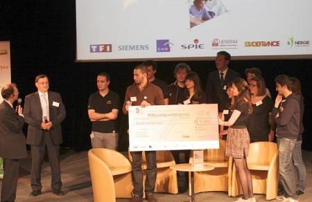 Les étudiants de l'SC reçoivent leur prix de 1500 euros