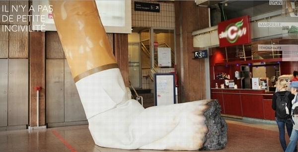 Mégot géant à Lyon, dans la gare.
