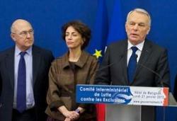 De g. à dr. : Michel Sapin, Marisol Touraine, Jean-Marc Ayrault / photo : Matignon