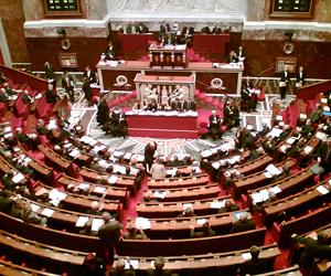Mariage pour tous : le débat fait rage à l'Assemblée