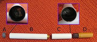 A : lumière, B : batterie, C : résistanc chauffante et atomiseur, D : Cartouche et embout (wikimedia)