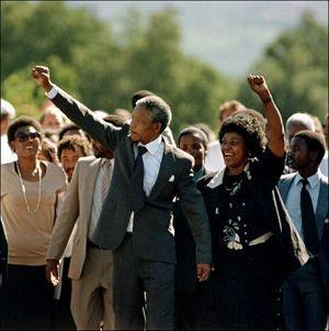 Mandela sort de prison le 11 février 1990