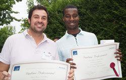 Nicolas et Amadou, agents de maintenance chaufferie dans la même entreprises