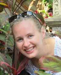 Elle lance une ligne de batik éthique made in Indonesia