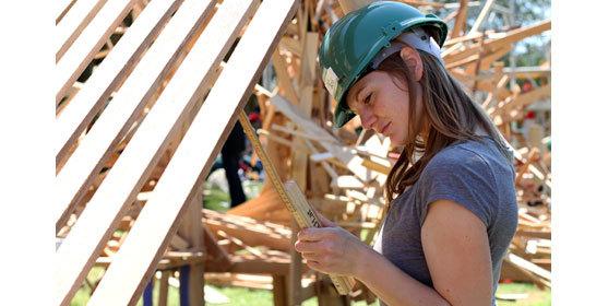 Jeunes ingénieurs de l'ENSTIB Epinal lors de la manifestation 'Les Défis du bois'. © F. Bignon