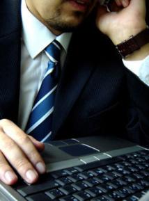 Cravate unie avec chemise à rayures