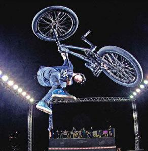 Premier Festival international des sports extrêmes à Nantes