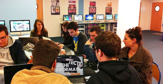 Etudiants de l'Ecole europééenne des métiers de l'internet (EEMI). Photo : EEMI