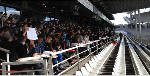 Les jeunes au Stade Gerland, le 14 mai. (Photo : Fondation April)