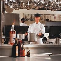 Vous aimez le travail en cuisine ? Envisagez un contrat d'apprentissage.