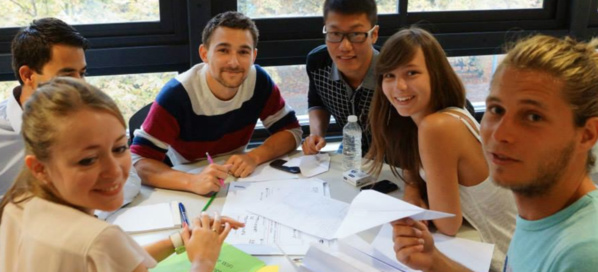 Des étudiants de l'IAE Grenoble lors du challenge Talents et Initiatives