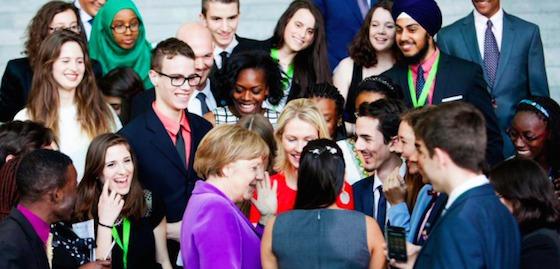 Des jeunes rencontrent Angela Merkel avant le G7