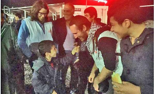 Jean-Nicolas au cours de sa mission auprès des enfants migrants (DR)