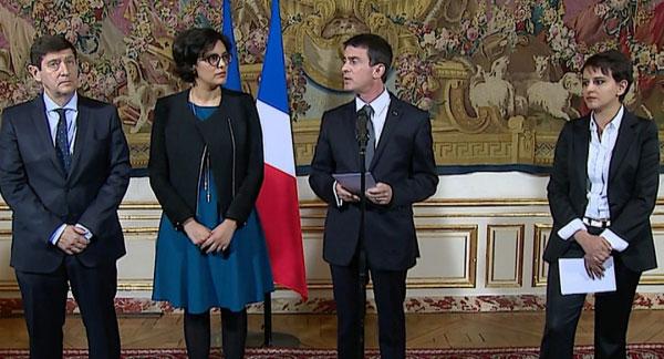 Manuel Valls entouré de la ministre du Travail, de l'Education nationale et du secrétaire d'Etat à la Jeunesse. Crédit Photo : gouvernement.fr