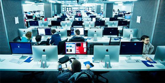 La grande salle où travaillent les étudiants de 42 à Paris. Crédit photo : William Beaucardet