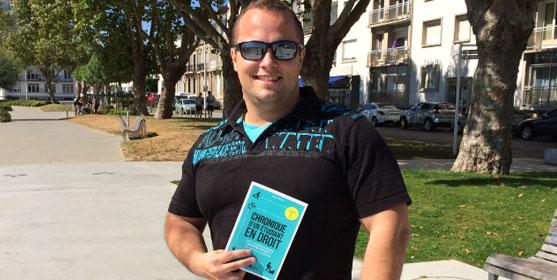 """Rémi Raher, auteur de """"Chronique d'un étudiant en droit"""", chez Enrick Editions."""