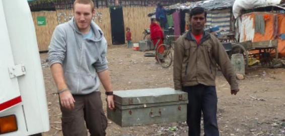 Travailler dans l'humanitaire : quels métiers et quelles formations ?