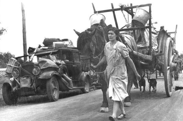 Photo d'archive : l'exode de 1940. © Wikipédia