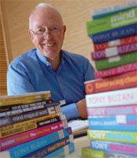 Tony Buzan, auteur de plus de 150 livres