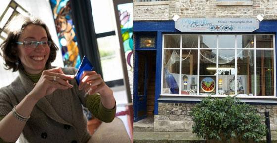 Amandine Steck dans son atelier boutique à Honfleur. © Arnaud Lombard (www.lombard-photographe.com)