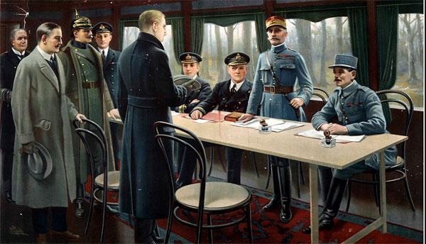 Tableau représentant la signature de l'armistice dans le wagon de Rethondes en 1918. Derrière la table,les Français (à dr.) dont le maréchal Foch, debout, puis les officiers anglais. Devant, en gris, les représentants allemands.© wikimédia